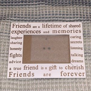 Cute picture frame!